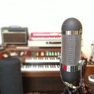 AEA_R87_ribbon_mics,_BLDGs_(recording_studios)