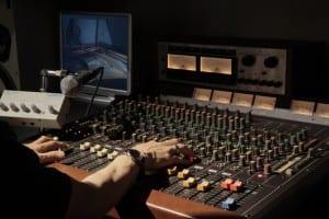 play-display-mixing-engineer-74769-large