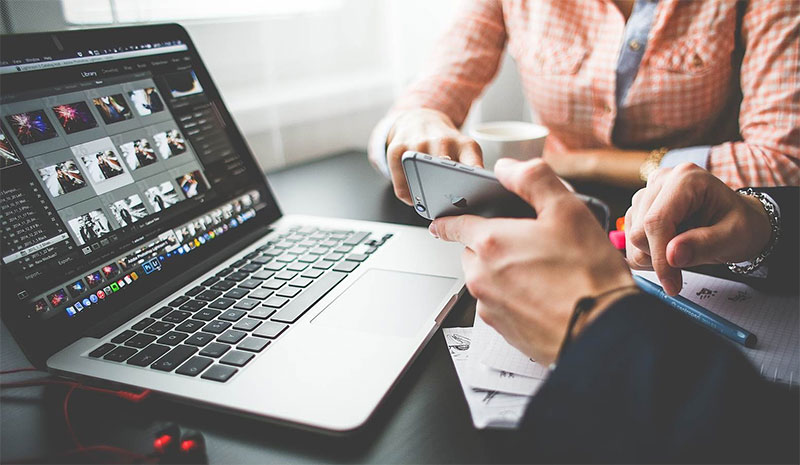manage-freelancer-meeting-1