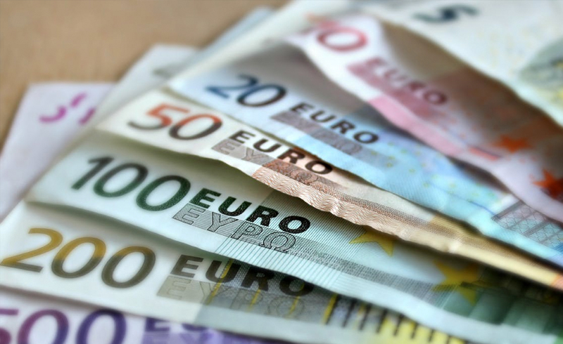 Photo of different Euro notes - €10, #20, €50, €100, €200, €500. To raise capital with crowdfunding, you need to set your goal at a realistic amount.